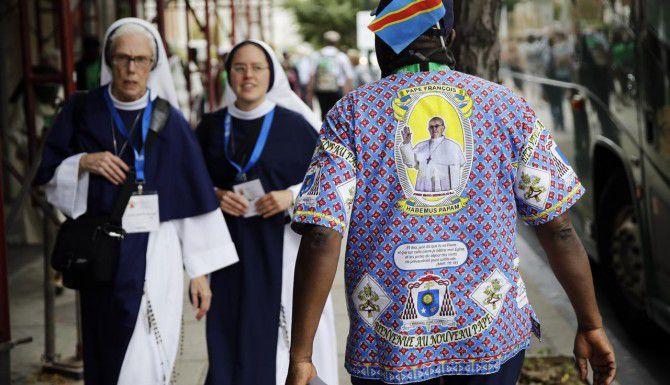 En Filadelfia se desarrolla el Encuentro Mundial de las Familias que culmina con la presencia del Papa. Para acceder a los eventos del Pontífice en esta ciudad se entregó boletos vía lotería. Pero muchos de los beneficiados lo están vendiendo en Craigslist. (AP/MATT ROURKE)