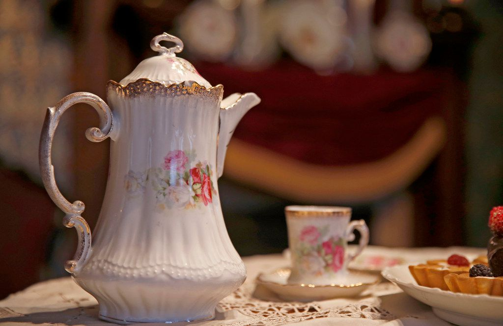A teapot and tea cup at the Sullivan House at Dallas Heritage Village