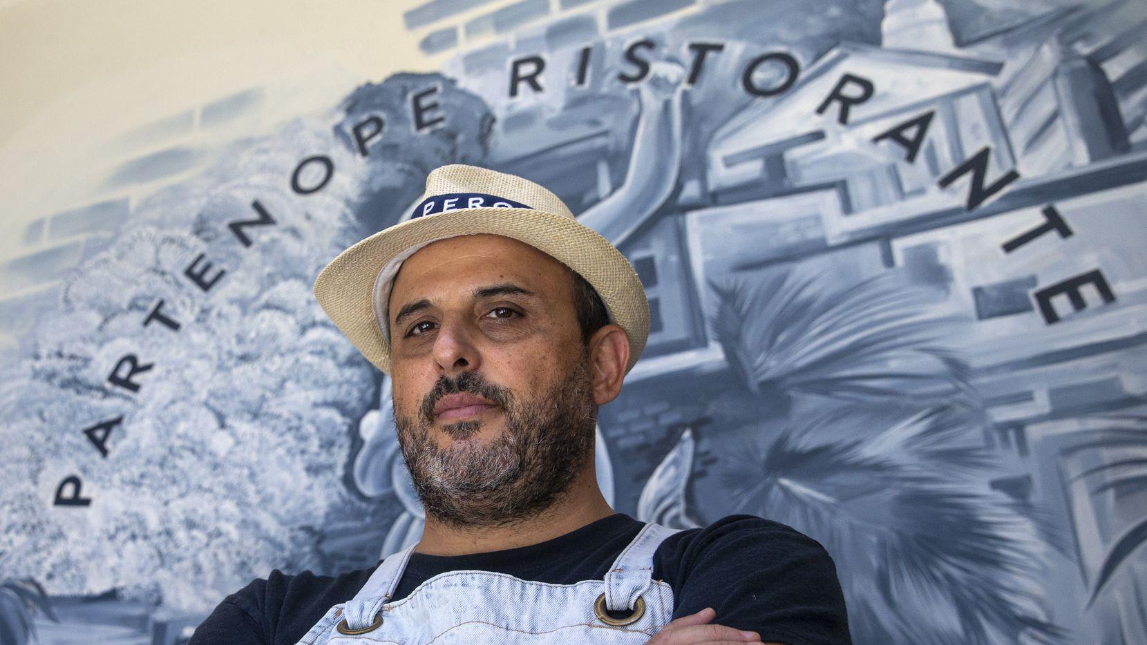 El chef Dino Santonicola de Partenope Ristorante en el centro de Dallas. El sábado pasado el 60% de las personas que reservaron mesa no fueron, él cree que se dio debido a temores por la variante delta.