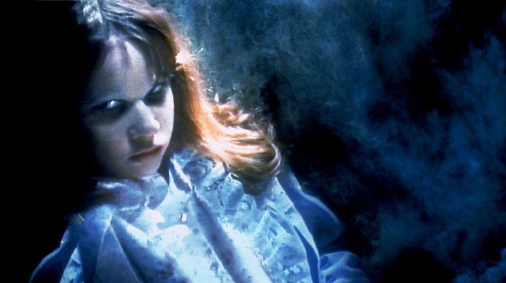 "Linda Blair interpreta a la poseída Regan MacNeil en una escena de ""The Exorcist""."