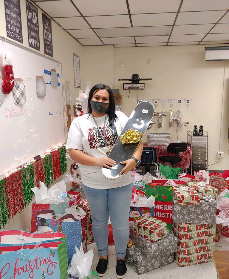 Sixth-grade teacher Mariah Denson made her students' holiday a little brighter.