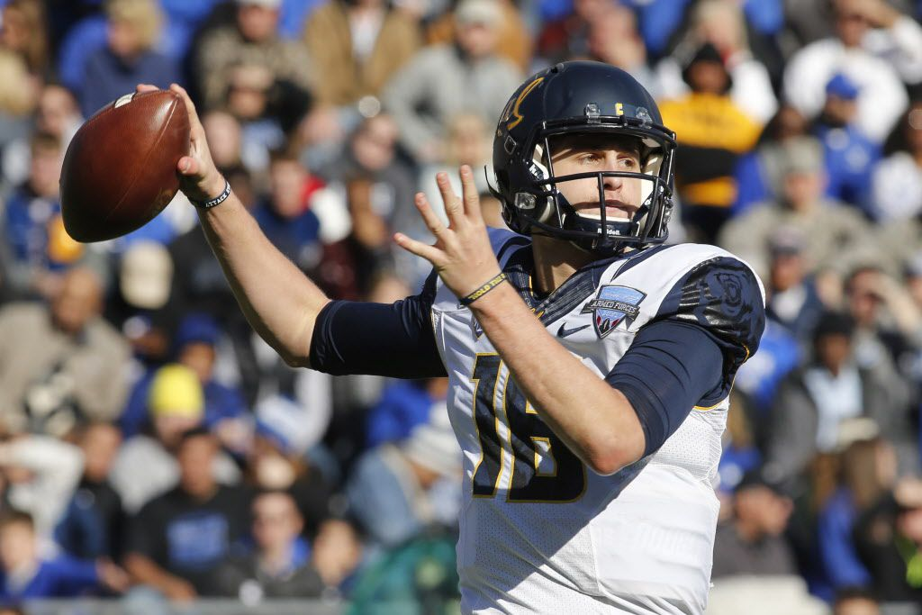 Dec 29, 2015; Fort Worth, TX, USA; California Golden Bears quarterback Jared Goff (16) throws a pass in the second quarter against the Air Force Falcons at Amon G. Carter Stadium. Mandatory Credit: Tim Heitman-USA TODAY Sports