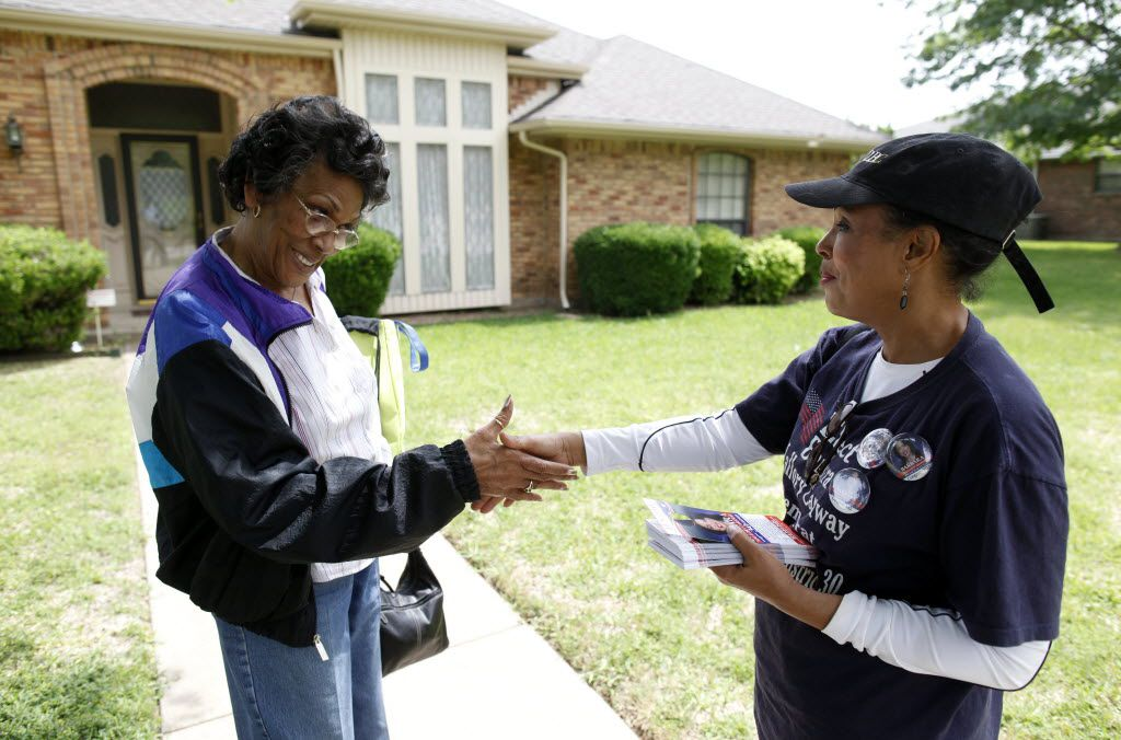 When she was a state representative campaigning for Congress in 2012, Barbara Mallory Caraway shook hands with Ella Richardson. Caraway is still trying to unseat longtime U.S. Rep. Eddie Bernice Johnson.
