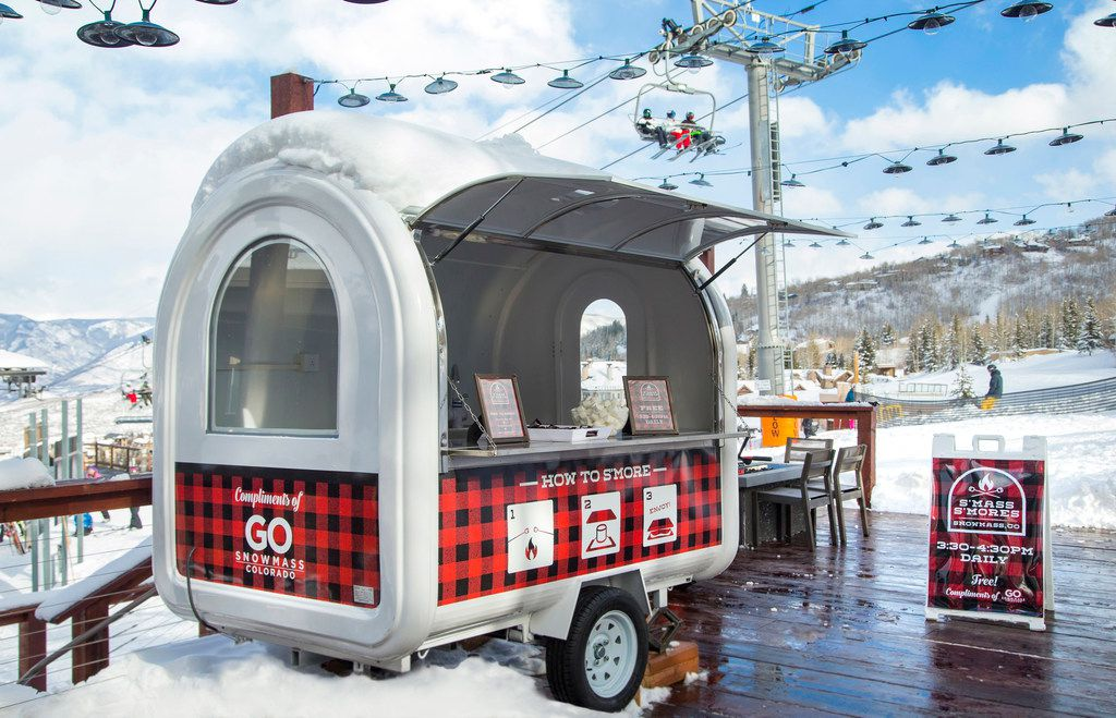 Aspen Snowmass is serving free candy cane-flavored s'mores for the holiday season.