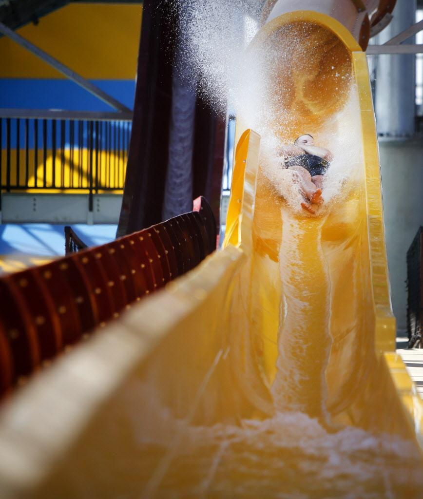 Los toboganes de agua serán el principal atractivo de Epic Waters que abre al público este viernes. ROSE BACA/DMN