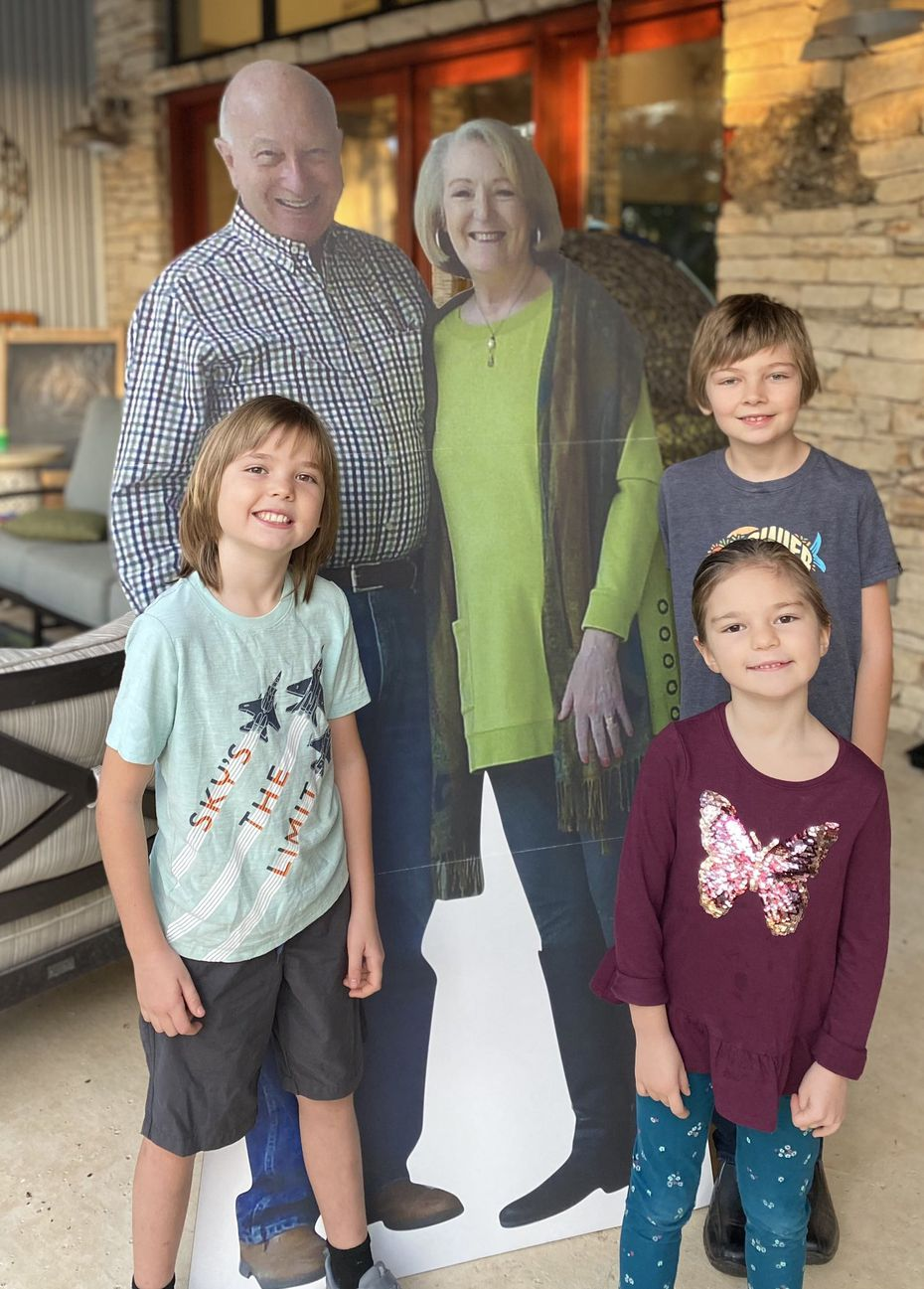 After deciding not to travel for the holidays, Barry and Missy Buchanan decided to mail out life-size cardboard cutouts of themselves to their grandchildren.