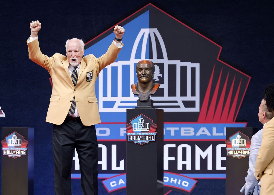 Pro Football Hall of Fame inductee Cliff Harris of the Dallas Cowboys reacts after unveiling his bronze bust during the Centennial Class of 2020 induction ceremony at Tom Benson Hall of Fame Stadium in Canton, Ohio, Saturday, August 7, 2021. (Tom Fox/The Dallas Morning News)