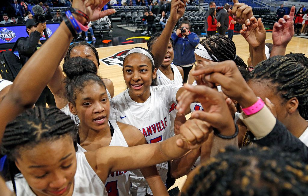 Duncanville gather at center court at the end of the game in a 6A semifina.  Duncanville defeated Converse Judson 45-36 on Friday, March 6, 2020 at the Alamodome. (Ron Cortes/Special Contributor)