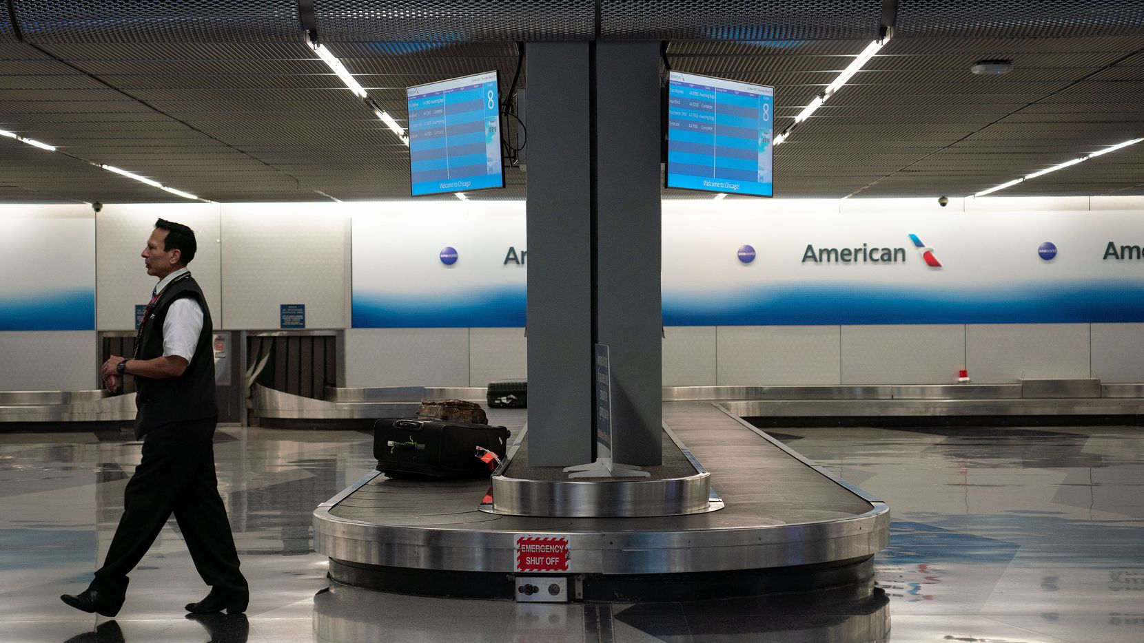 Starting Tuesday, American will operate just 13 flights a day combined out of John F. Kennedy International Airport, LaGuardia Airport and Newark Liberty International from now through May 6.(E. Jason Wambsgans/Chicago Tribune/TNS)