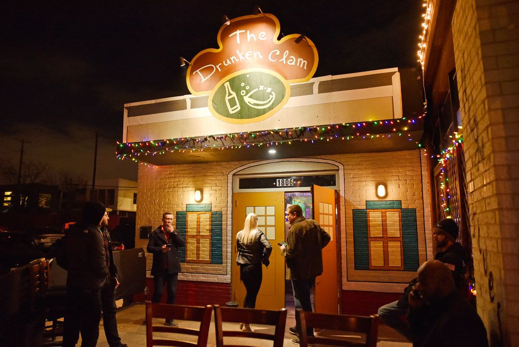 The pop-up bar the Drunken Clam, Thursday night Jan. 10, 2019 in Dallas. Drunken Clam is themed after the bar in Family Guy. Ben Torres/Special Contributor