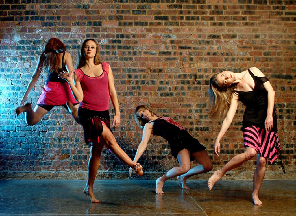 Elledanceworks in artistic director Ronelle Eddings' Happy People during the company's 2005-06 season.