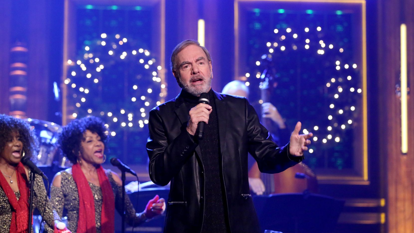 "Neil Diamond performed on ""The Tonight Show"" on Nov. 29, 2016, after performing a medley of Christmas songs from his new holiday album on NBC's ""Christmas at Rockefeller Center"" -- (Photo by: Andrew Lipovsky/NBC)"