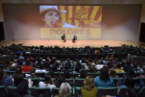 El auditorio de UNT estuvo repleto de estudiantes, en su mayoría latinos, para conocer a Dolores Huerta. BEN TORRES/AL DÍA