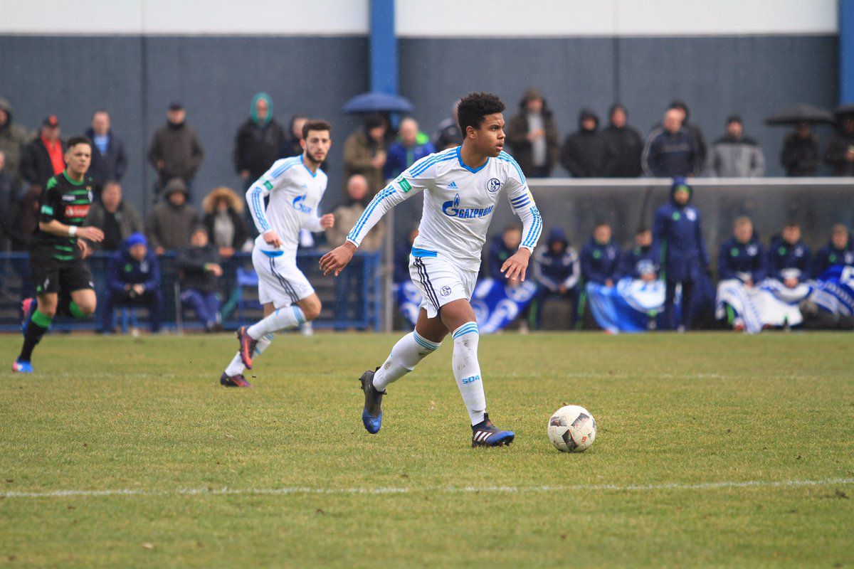 Little Elm native Weston McKinnie looks for his options up field in a U-19 match between Schalke and Borussia Monchengladbach. The game ended in a 2-2 draw.