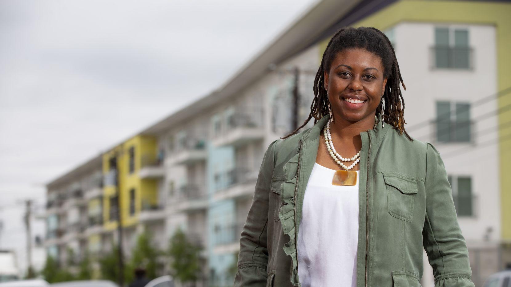 """Joli Robinson su nuevo trabajo en Metro Dallas Homeless Alliance como """"el honor de su vida"""". Su reto es resolver el problema de la indigencia en los condados de Dallas y Collin."""