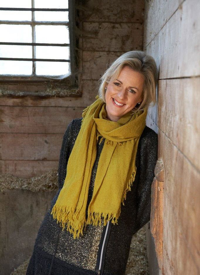 "British novelist Jojo Moyes infuses her latest novel with strong, memorable female characters and a sprinkling of men who can make a ""heart flutter like a clean sheet on a long line."""