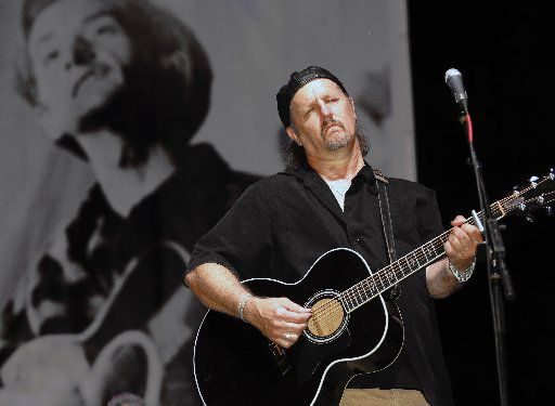 ORG XMIT: *S0427076084* Jimmy LaFave performs during WoodyFest, the Woody Guthrie Festival in Okemah, Oklahoma, Saturday, July 11, 2009. Bill Waugh/Special Contributor 04052012xARTSLIFE