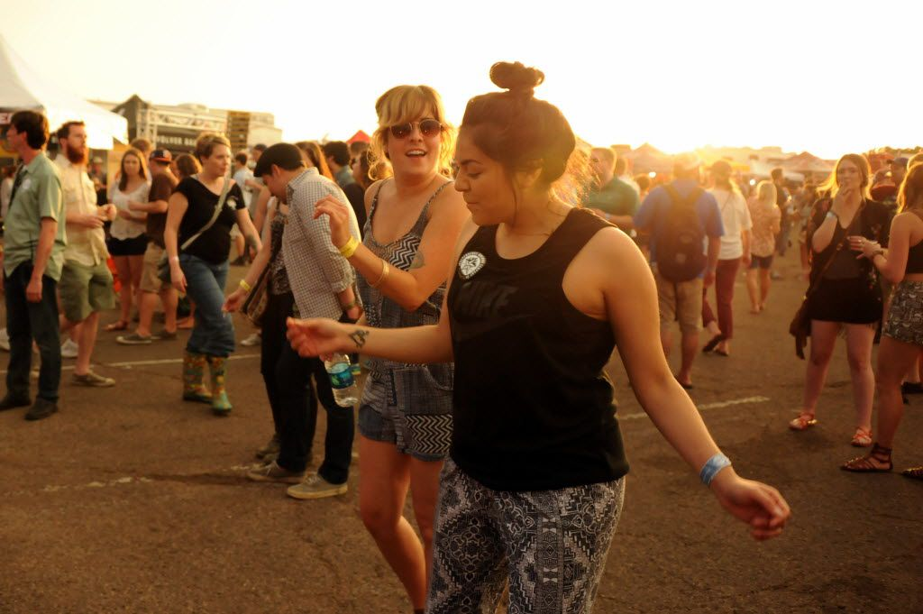 Holly Cole and Valerie Meraz dance to Ariel Pink's Haunted Graffiti at Untapped Festival in Fort Worth, TX on May 9, 2015. (Alexandra Olivia/ Special Contributor)