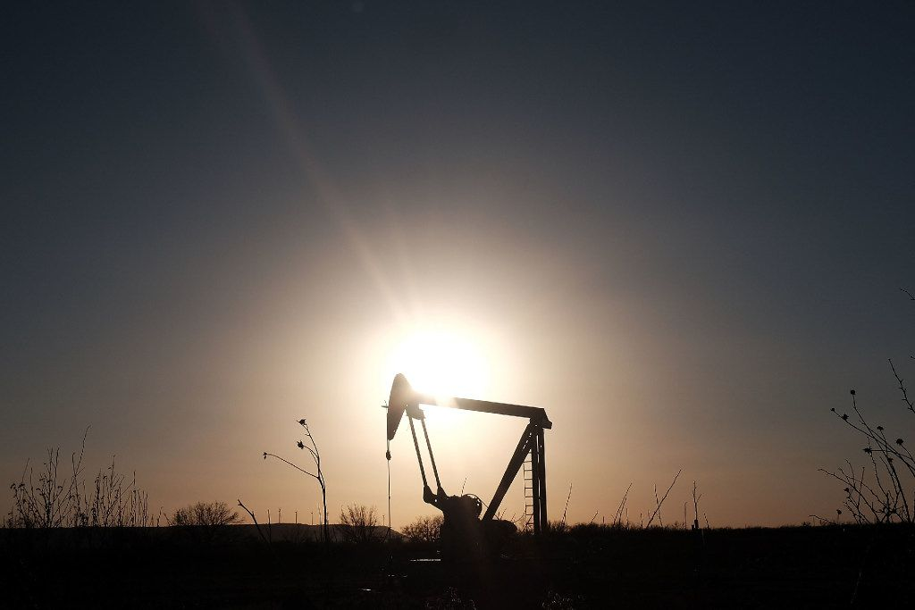 An oil pumpjack in Sweetwater in January 2016. Global oil prices were then at their lowest point since 2003.  (Spencer Platt/Getty Images)