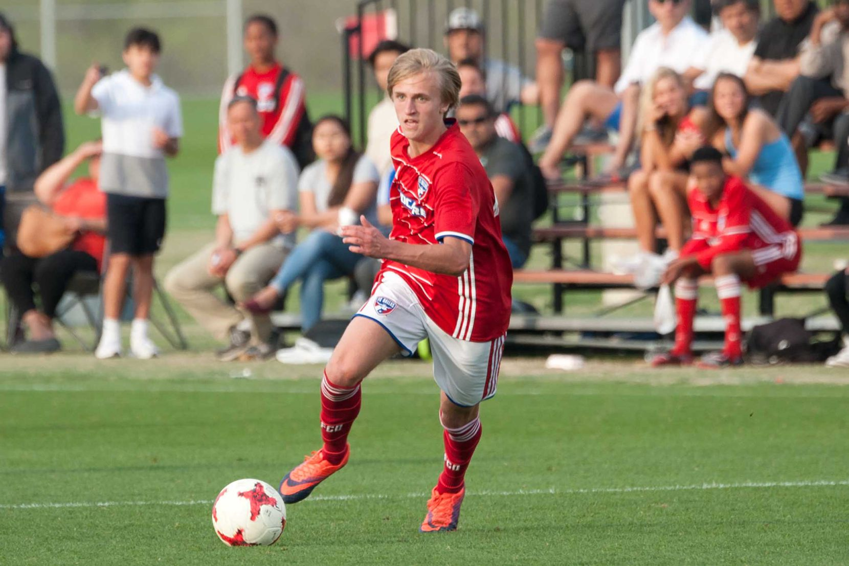 Thomas Roberts playing for the FC Dallas U19s in the 2018 Dallas Cup.