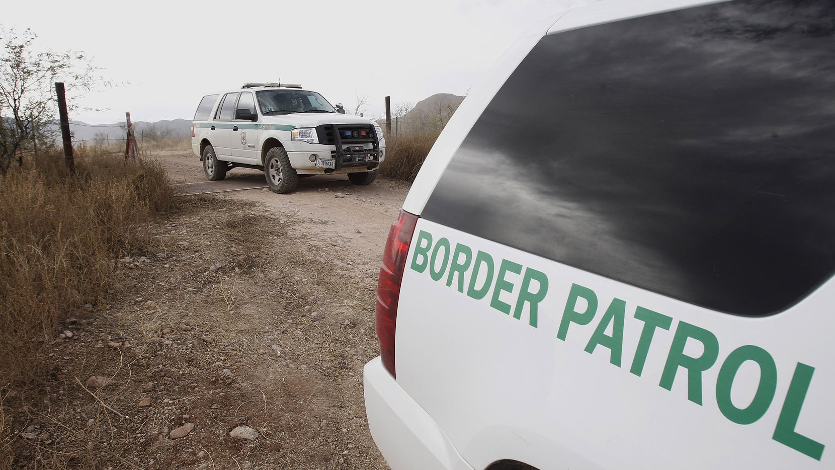 A border agent working in the Laredo sector is accused of killing four women and abducting a fifth in Webb County.