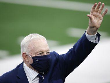 El dueño de los Dallas Cowboys esta orgulloso de la cantidad de aficionados que han ido al AT&T Stadium de Arlington para ver los juegos de su equipo en medio de la pandemia.