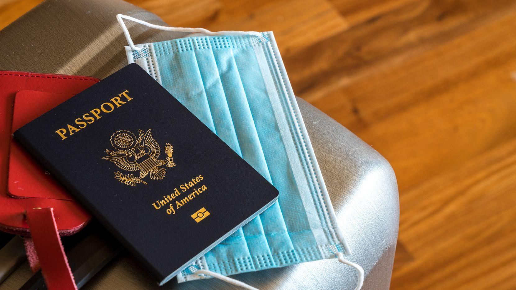 La espera para obtener el documento de viaje puede ser de hasta 18 semanas y, debido a los cuidados por la pandemia de covid-19, las citas para tramitarlo de emergencia son escasas.