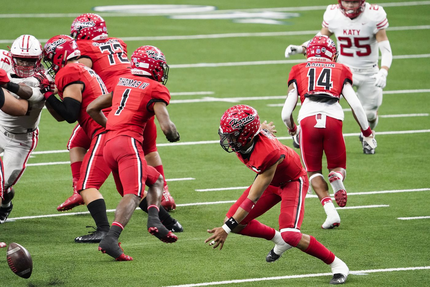 Cedar Hill quarterback Kaidon Salter (7) chases after his own fumble during the first half of the Class 6A Division II state football championship game against Katy at AT&T Stadium on Saturday, Jan. 16, 2021, in Arlington, Texas.