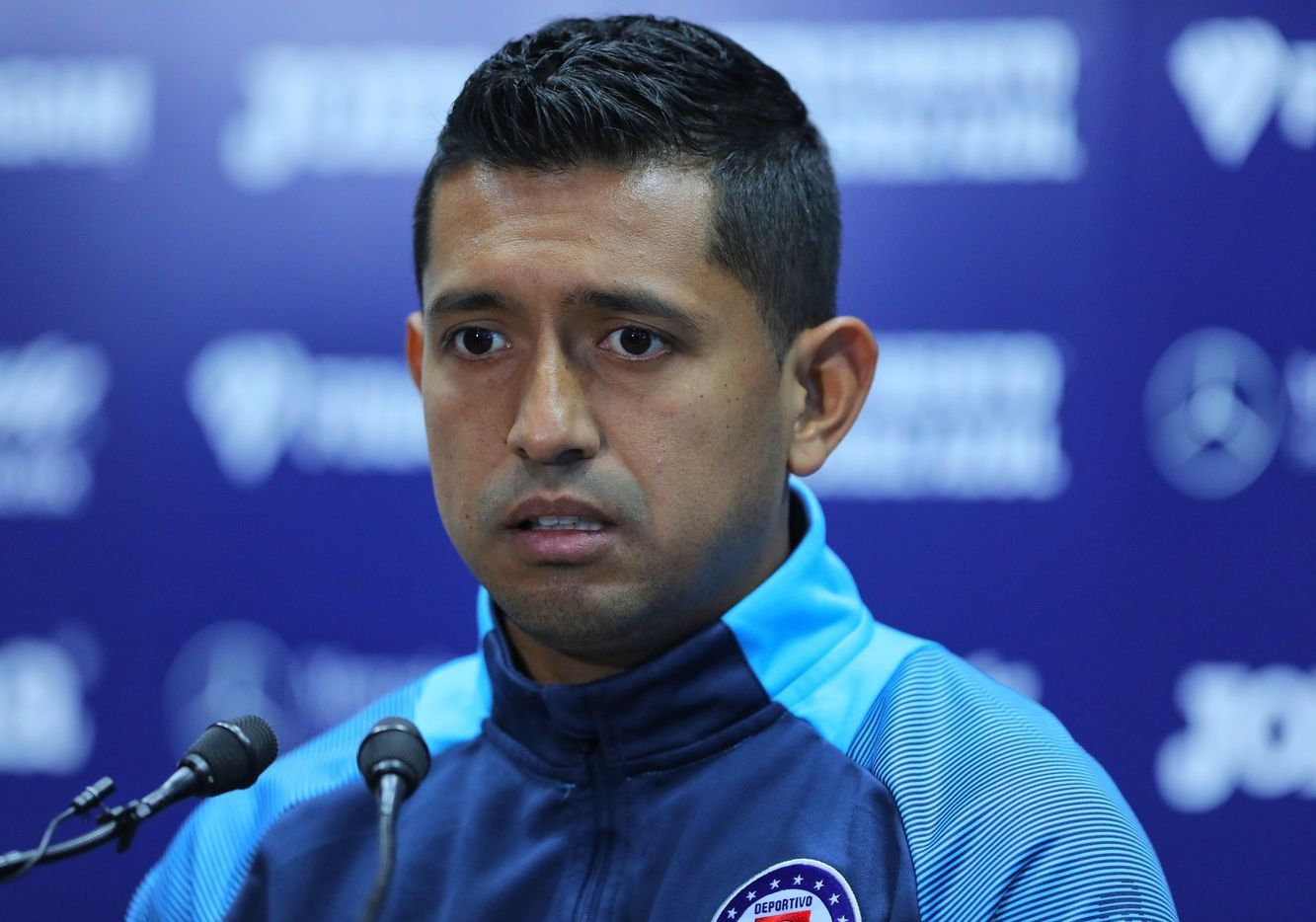 El jugador de Cruz Azul, Elías Hernández, se molestó cuando le dijeron que se parece a un cómico mexicano.