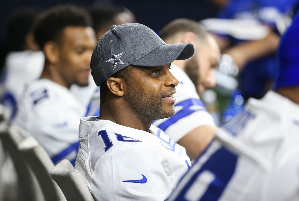 Randall Cobb signs autographs during a watch party on the first night of the NFL Draft on Thursday, April 25, 2019 at The Star in Frisco, Texas. (Ryan Michalesko/The Dallas Morning News)