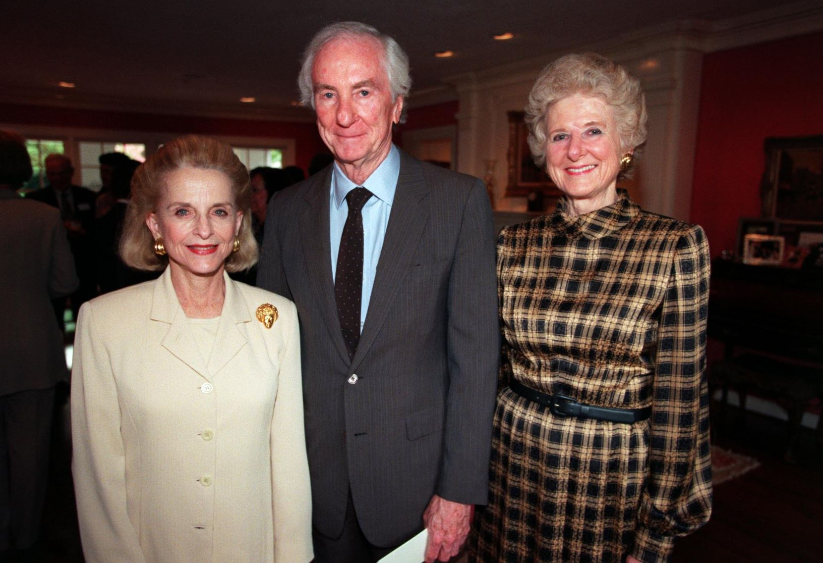 Left to right, Nancy Dedman, Peter O' Donnell and Edith O'Donnell at the Annual Fund Campaign for the 1998-99 Fort Worth Dallas Ballet reception at George and Carol Poston's home. Photographer: Allison V. Smith.