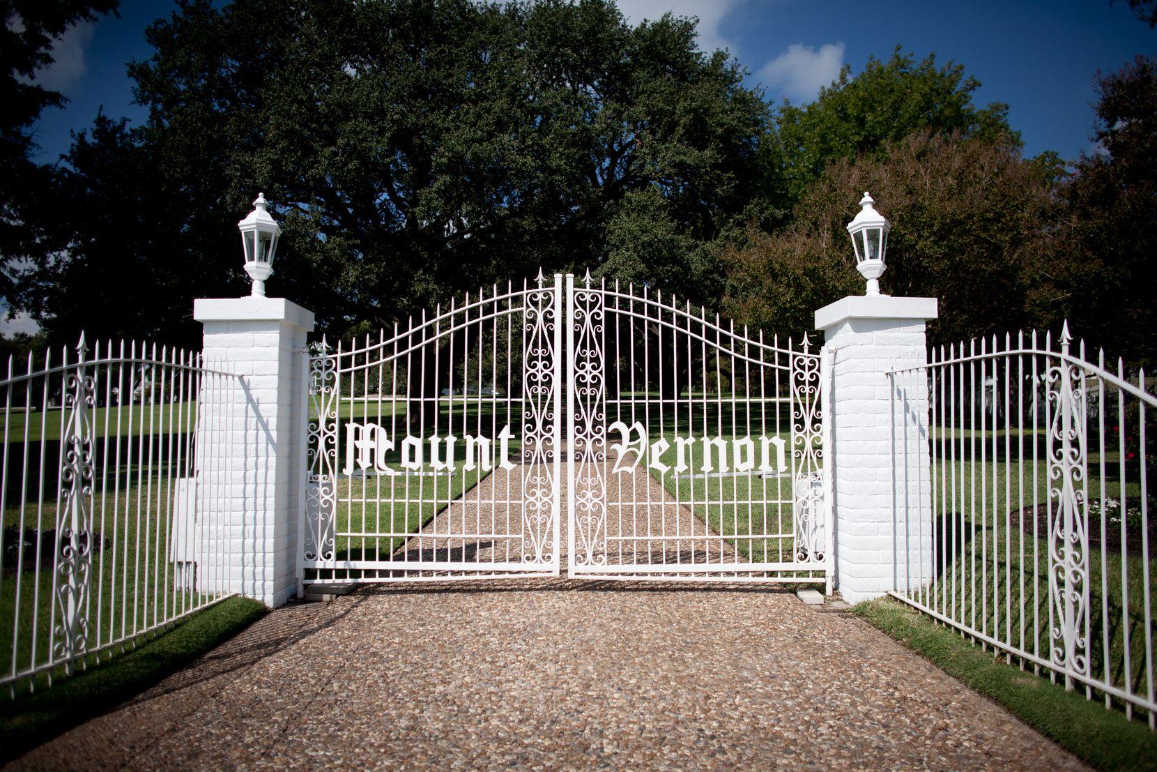 The white gates to the estate carry the Mount Vernon moniker.