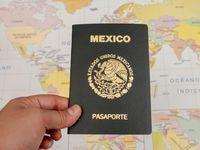La ley mexicana permite desde 1998 que los mexicanos con otra ciudadanía —ya se por nacimiento o naturalización— puedan tener doble nacionalidad.