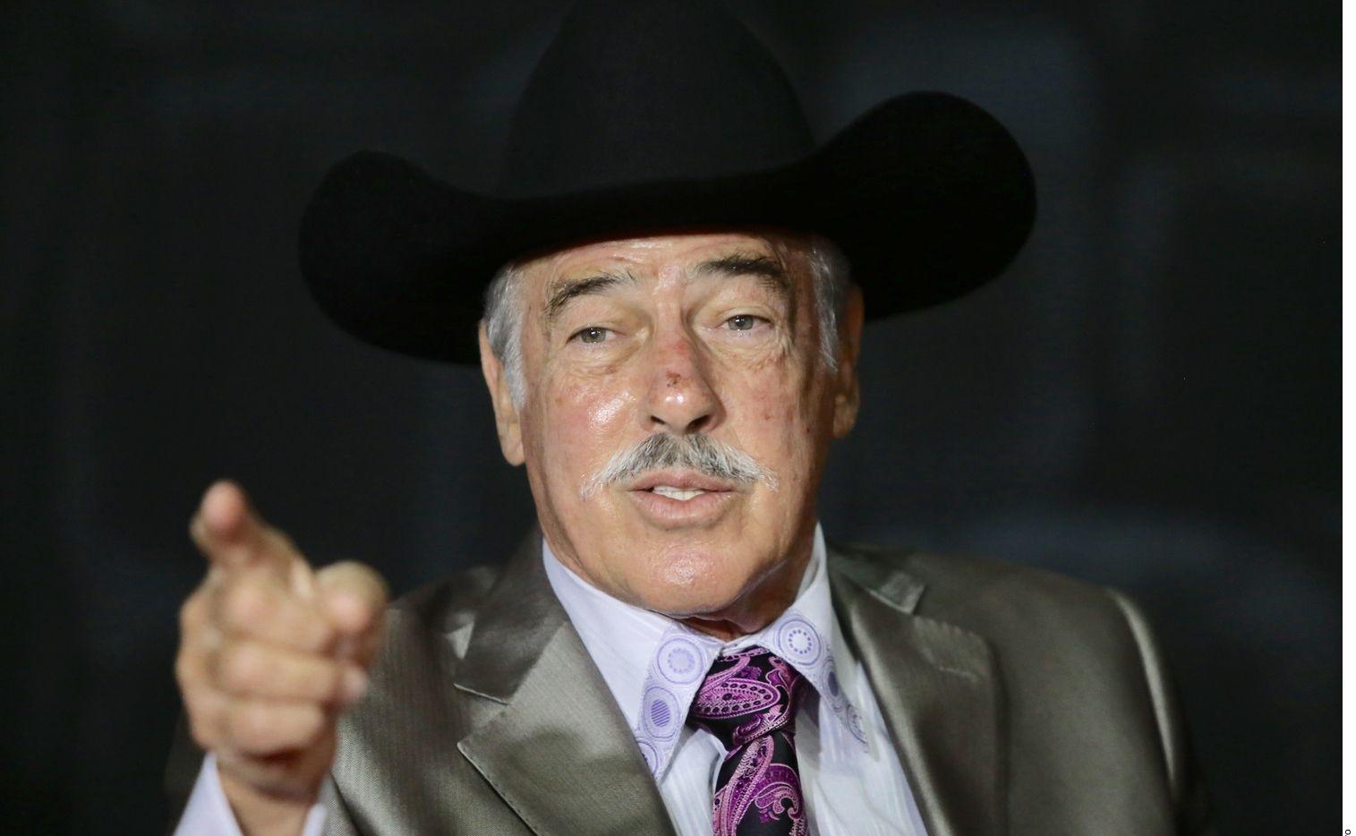 Andrés García le pidió el divorcio a su esposa Margarita Portillo, pero ella se lo ha negado.