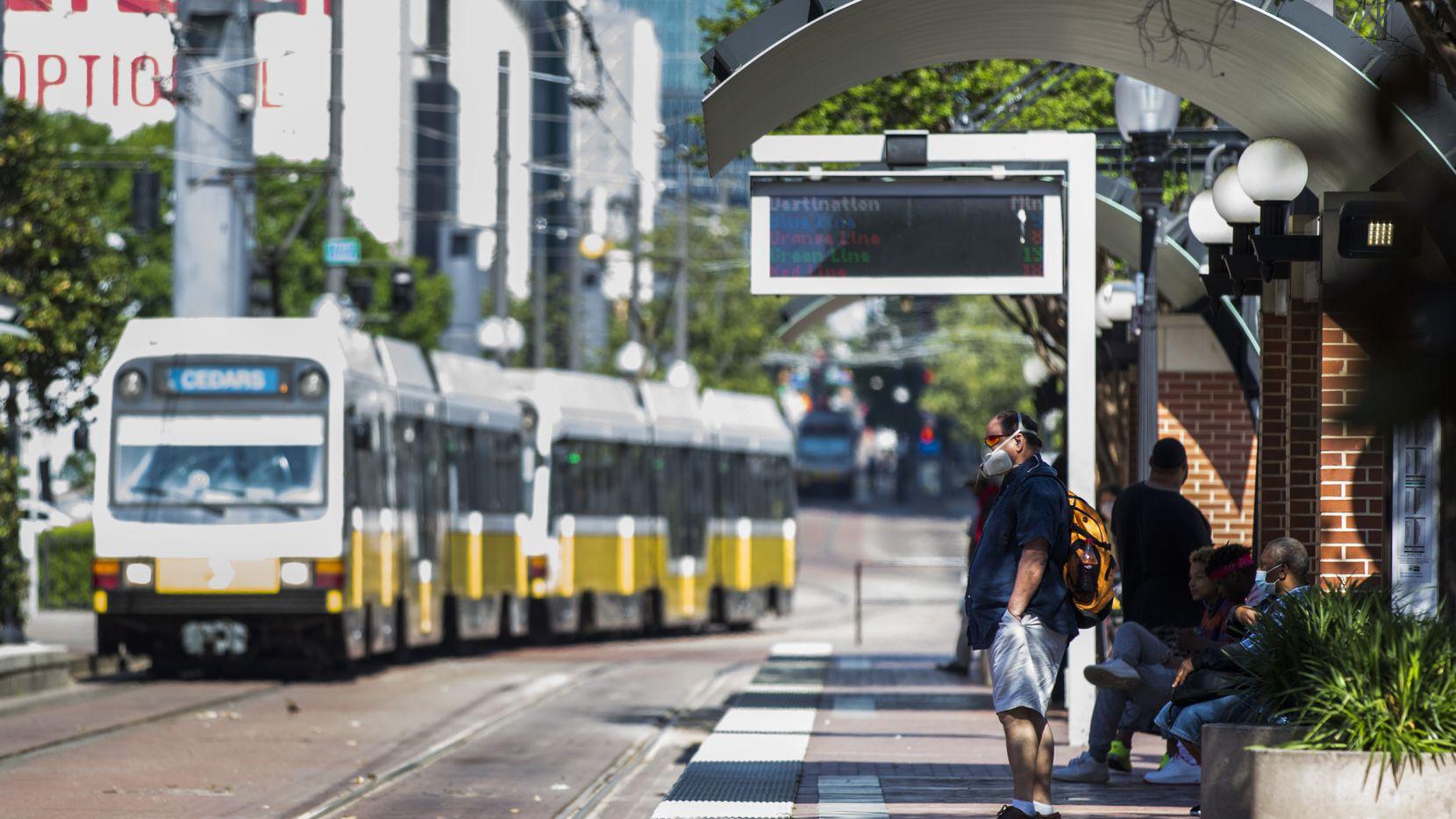 El transporte público DART será gratuito para todos los pasajeros los sábados 17 y 24 de octubre y el martes 3 de noviembre, con el fin de incentivar a la gente a que acuda a votar.