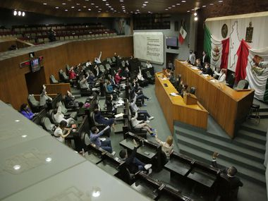 En abril, los 42 legisladores de Nuevo León recibieron 187,96 pesos, monto que incluye su dieta mensual, prima vacacional y parte del aguinaldo.