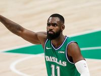 Dallas Mavericks forward Tim Hardaway Jr. (11) celebrates scoring a three-point shot during the second half of an NBA basketball game in Dallas, Monday, February 22, 2021. Hardaway scored 29 points in the game. Dallas won 102-92. (Brandon Wade/Special Contributor)