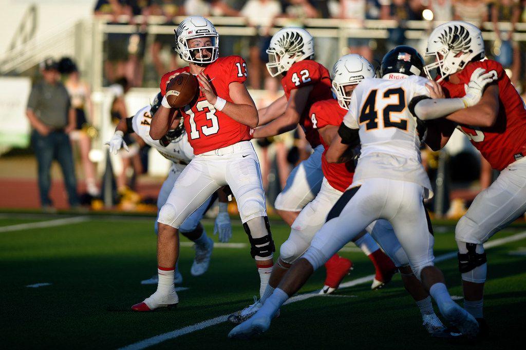Argyle junior quarterback Bo Hogeboom (13) prepares to throw the ball for a play against Stephenville.  ORG XMIT: txder