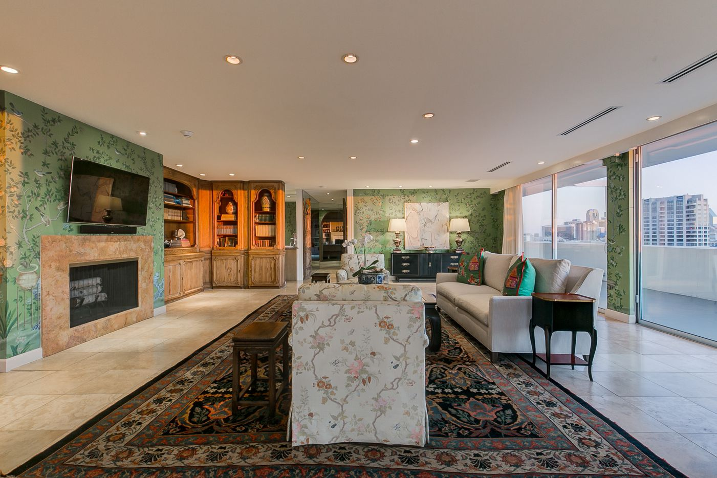 A look at the living room at 3701 Turtle Creek Boulevard Penthouse A in Dallas.
