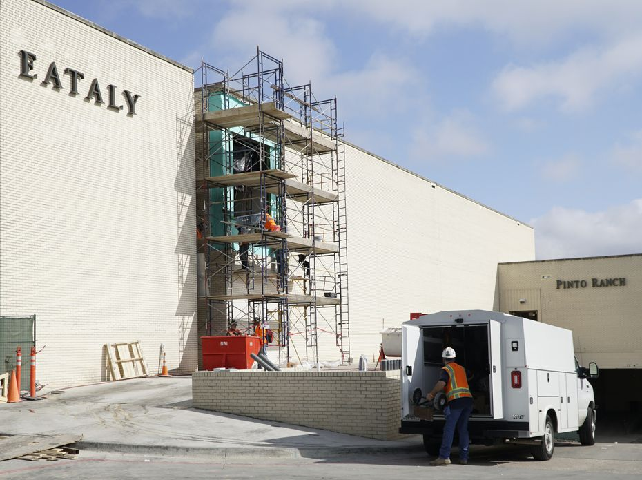 Construction crews work on the exterior of the new Eataly this week at NorthPark Center in Dallas.