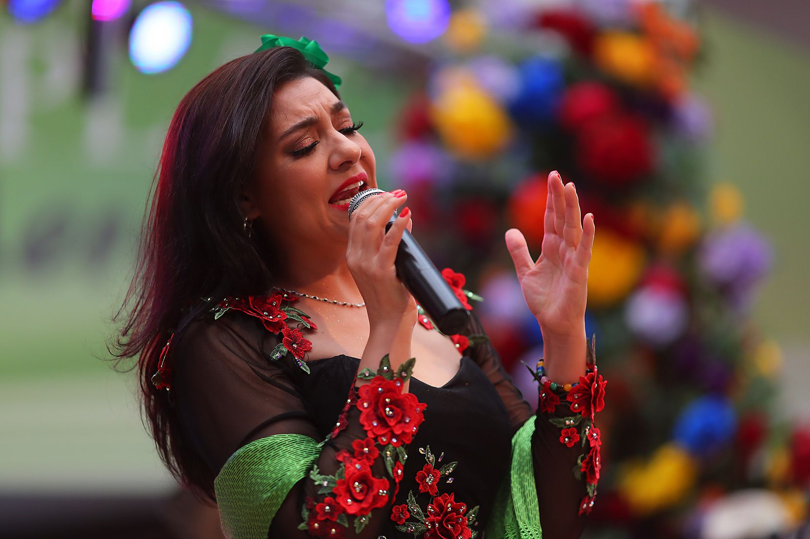 Graciela Beltrán cerró la celebración de El Grito en La Gran Plaza el domingo, en Fort Worth.