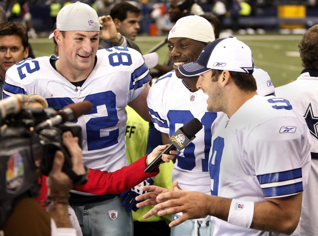 ORG XMIT: *S0425147913* Dallas Cowboys Jason Witten, Terrell Owens and quarterback Tony Romo appear on NBC after the game with the New York Giants at Texas Stadium in Irving on Sunday, December 14, 2008. The controversary transpired this week between the three of them not getting along. The Cowboys won 20-8. (Tom Fox/The Dallas Morning News) 12152008xSPORTS