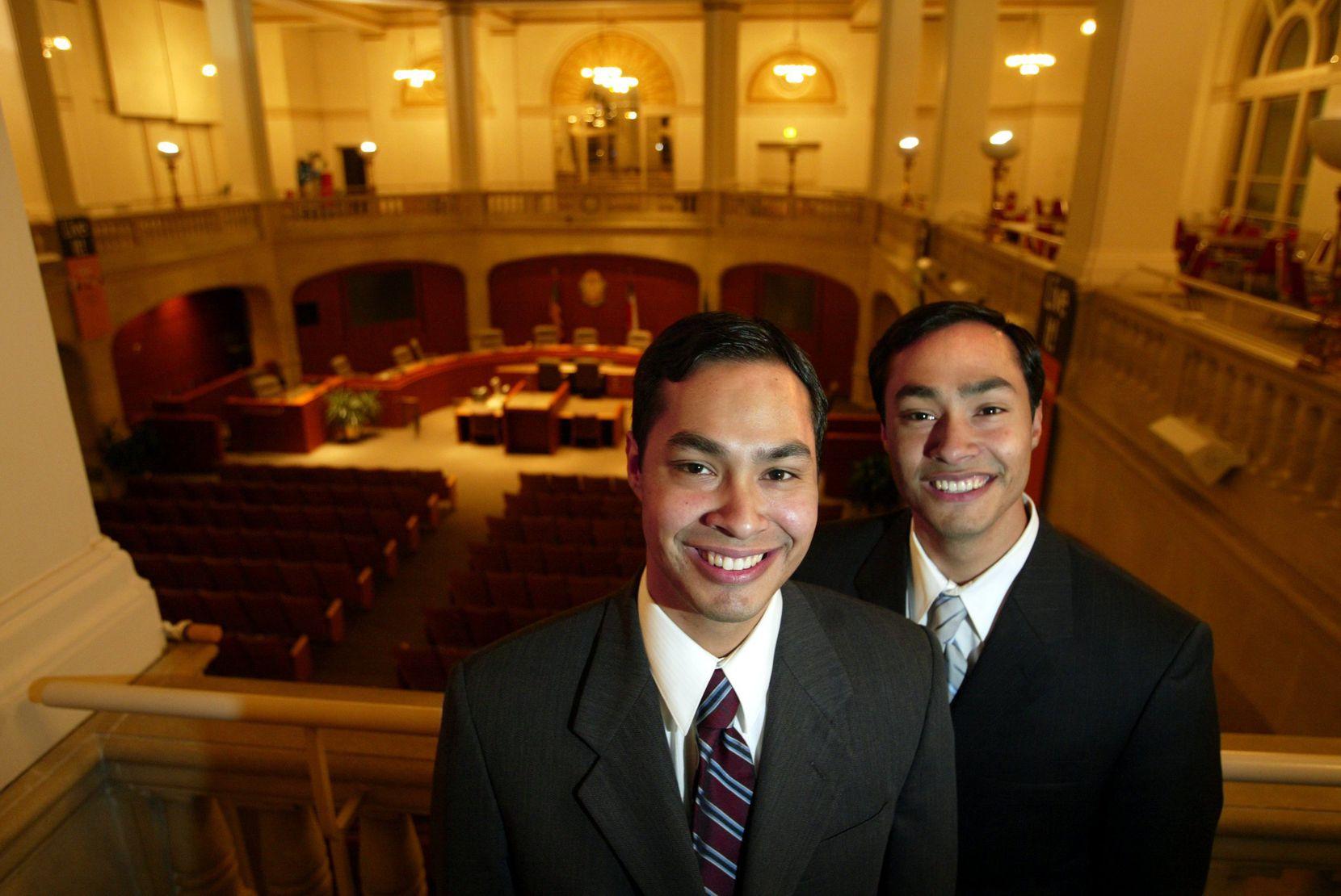 Julián Castro (left) and twin brother Joaquín, a San Antonio congressman