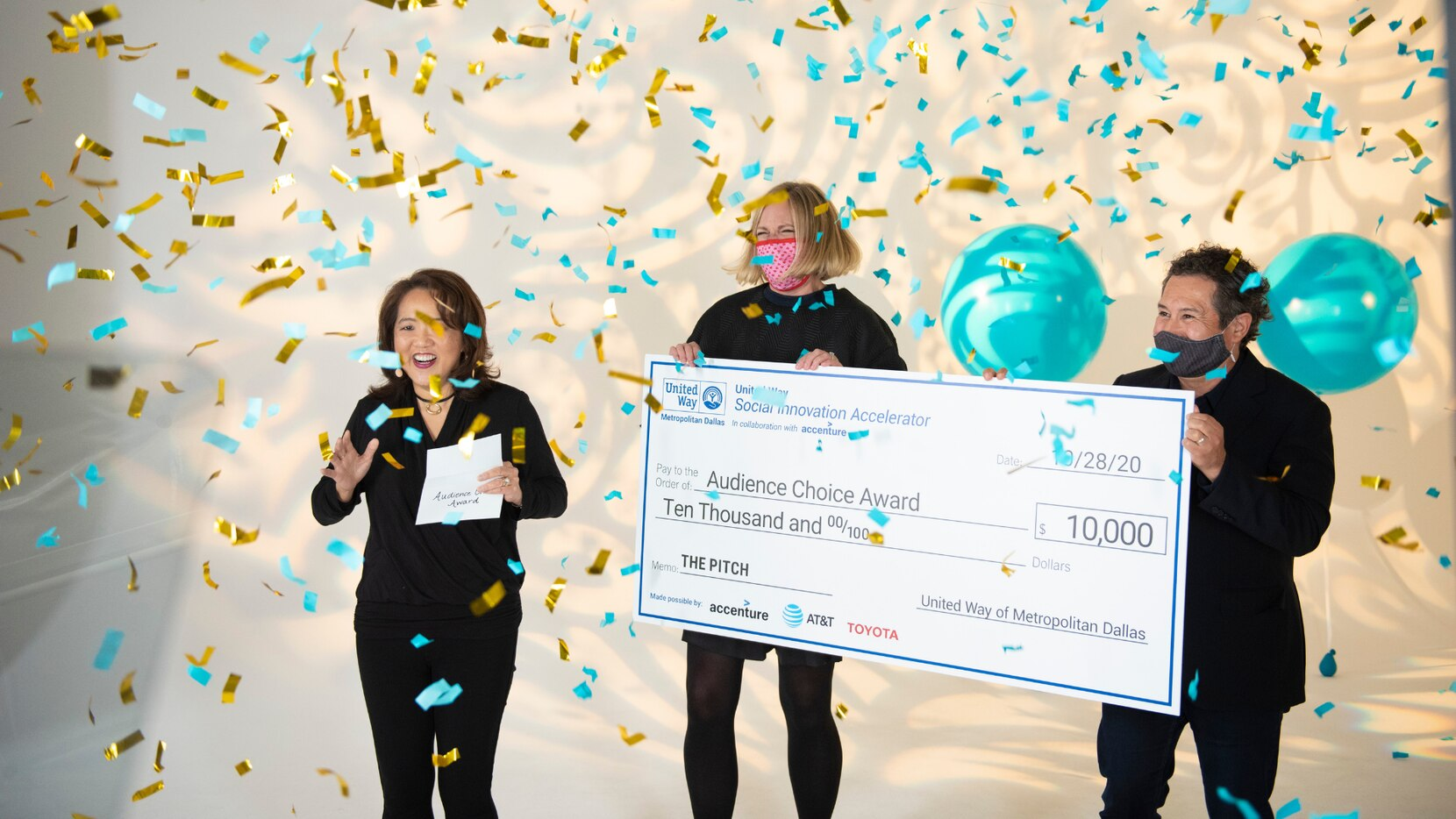 Anne Chow, Jennifer Sampson and Jorge Corral presenting the Audience Choice Award at 'The Pitch', the culminating event for the United Way Social Innovation Accelerator in collaboration with Accenture.