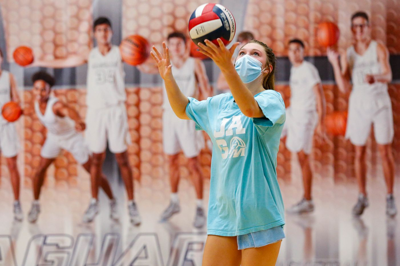 Flower Mound High School volleyball player Caroline Dykes prepares to serve the ball during practice on Sept. 8, 2020 in Flower Mound. (Juan Figueroa/ The Dallas Morning News)