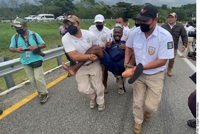 El Instituto Nacional de Migración (INM) reprobó el actuar de sus agentes contra migrantes en Chiapas.