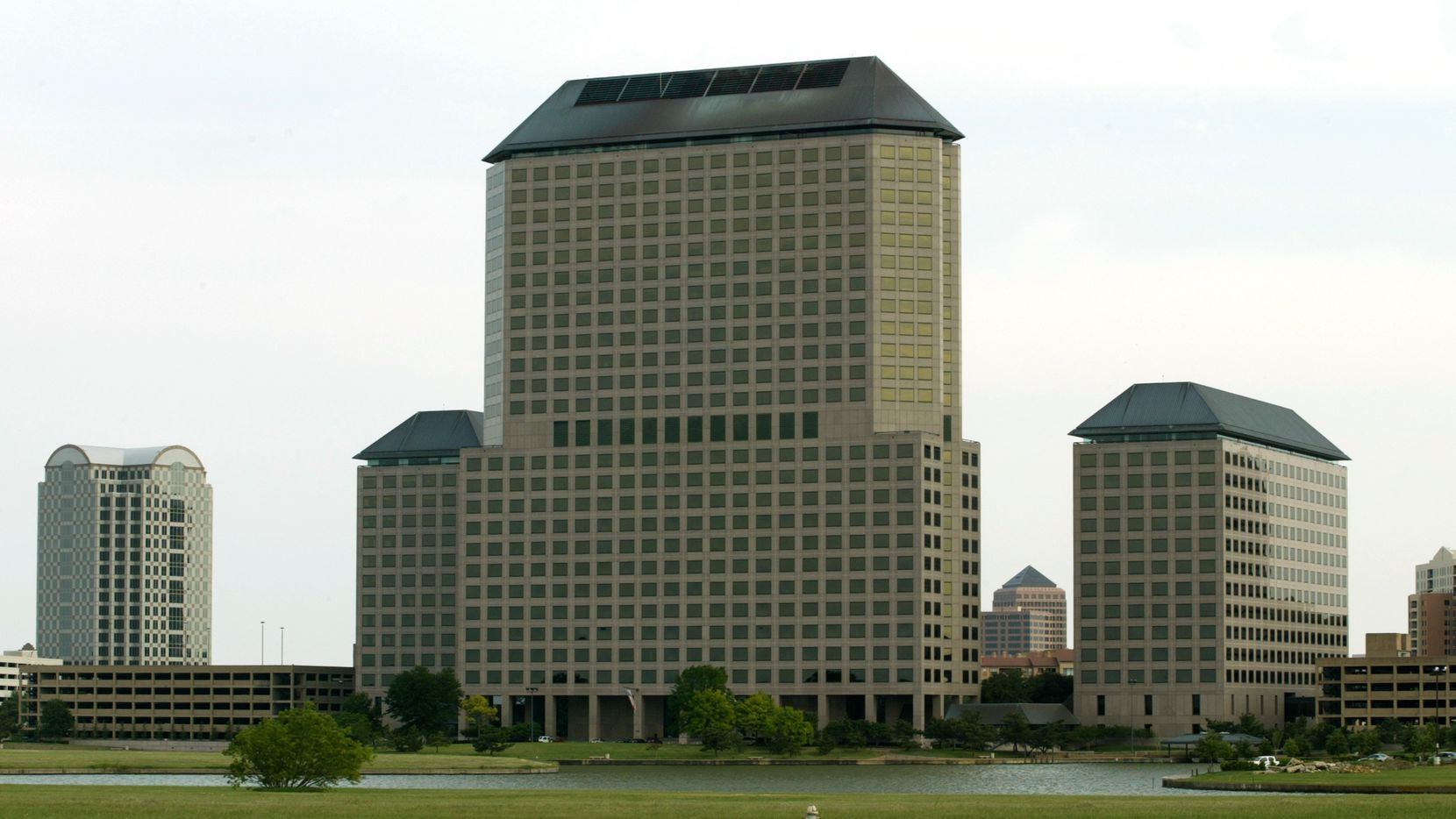 Flowserve signed a new lease for five floors in the Williams Square complex in Las Colinas.