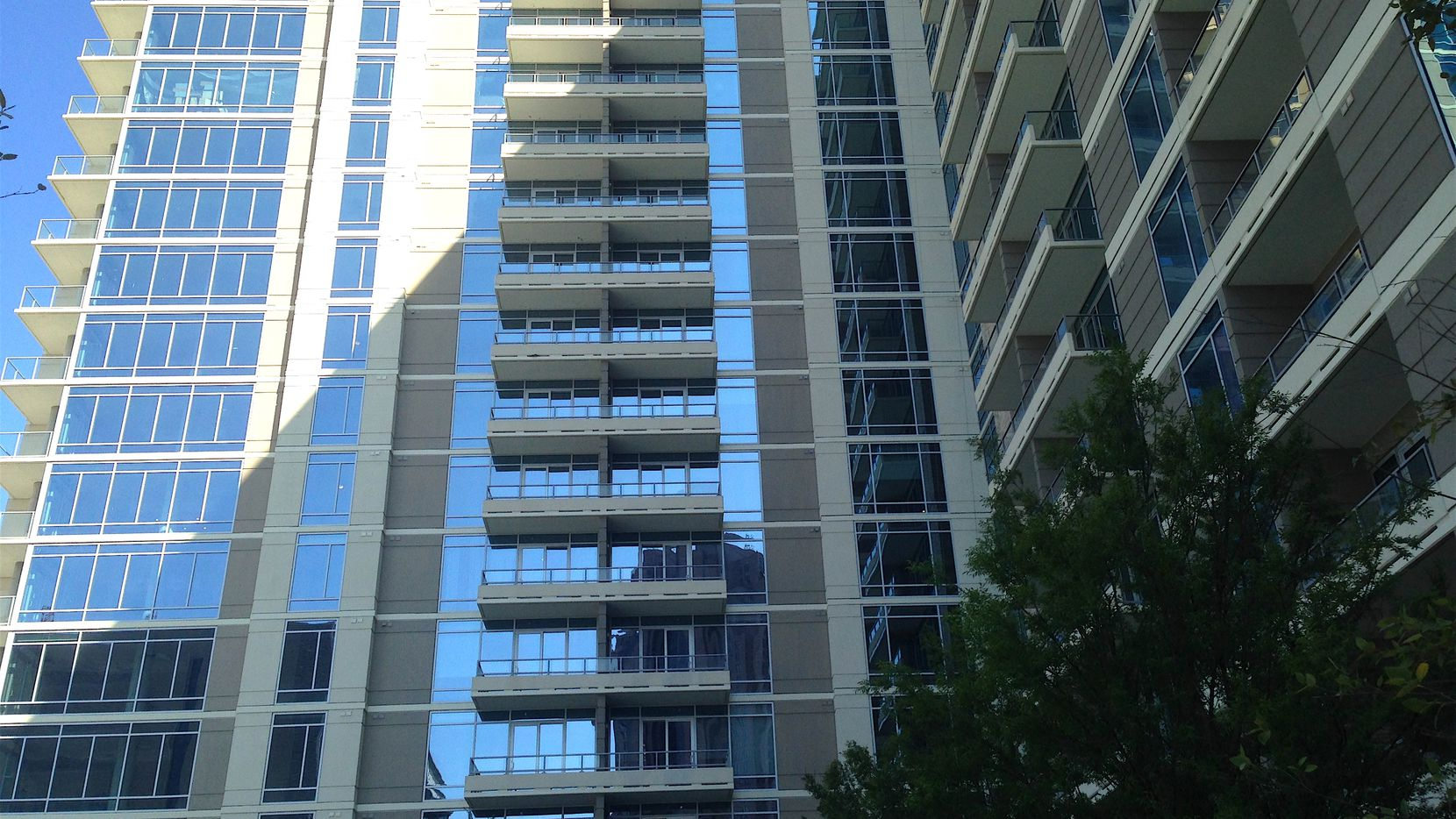 More than 95% of D-FW apartment renters are current with payments.