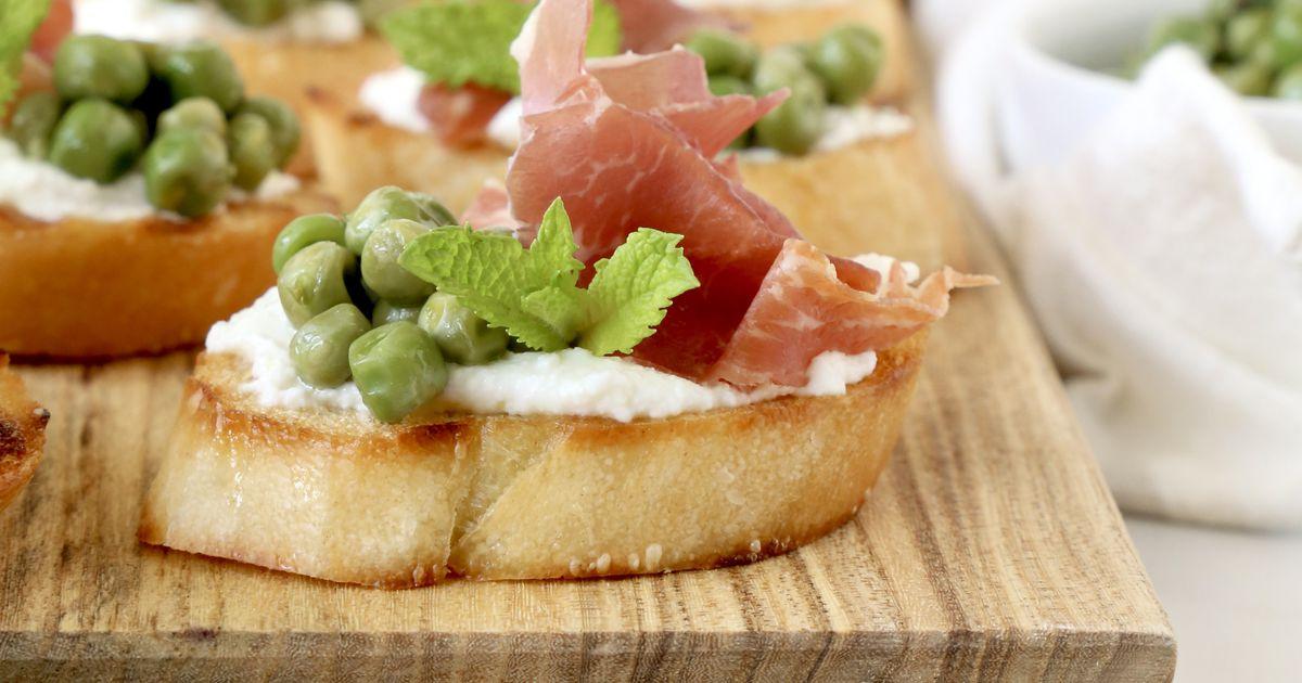 A Trio of Bruschetta: Tomatoes, peaches, prosciutto and more