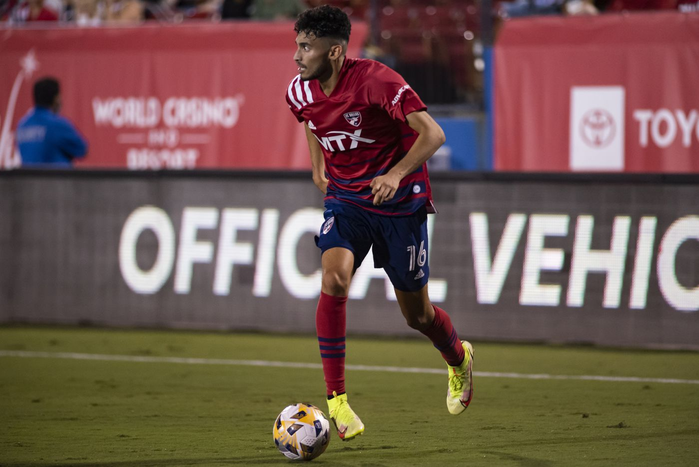 FC Dallas forward Ricardo Pepi (16) glances at a teammate to pass the ball to during FC DallasÕ home game against the San Jose Earthquakes at Toyota Stadium in Frisco, Texas on Saturday, September 11, 2021. (Emil Lippe/Special Contributor)